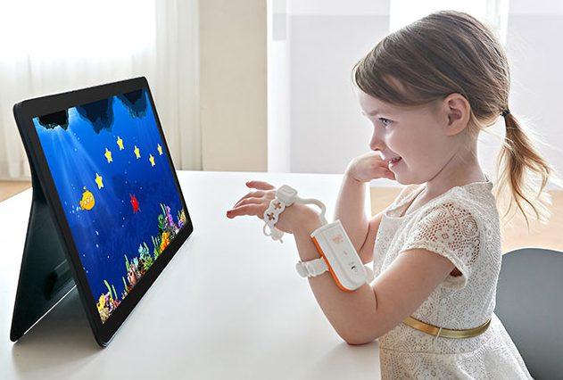Neofect Smart Kids - Digitale Therapie bei Handlähmung nach Schlaganfall